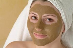 """Luvos Heilerde Maske.Verwendung des Pressefotos mit dem Nachweis """"© Luvos"""""""